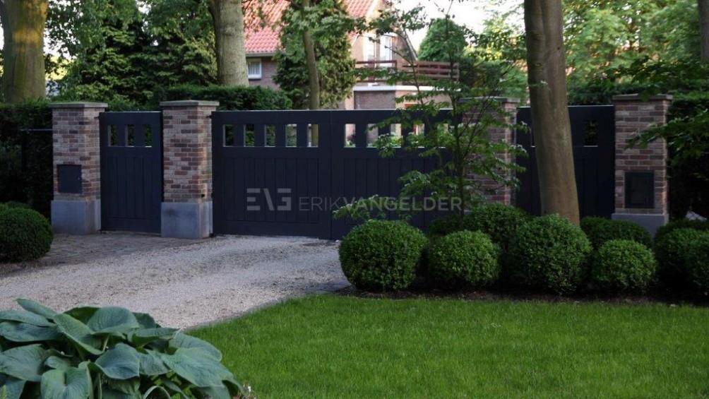 Luxe tuin - Entree luxe villa tuin Oostvoorne.