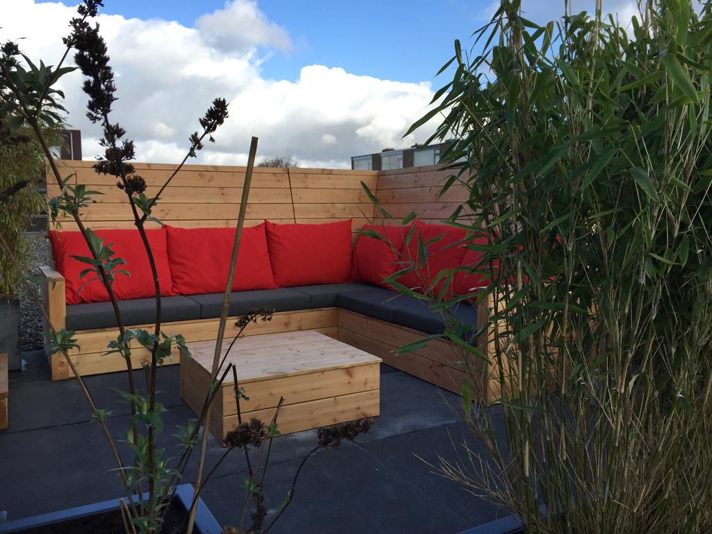 Maatwerk loungeset in Maassluis met verhoogde rugleuning voor meer privacy en beschutting
