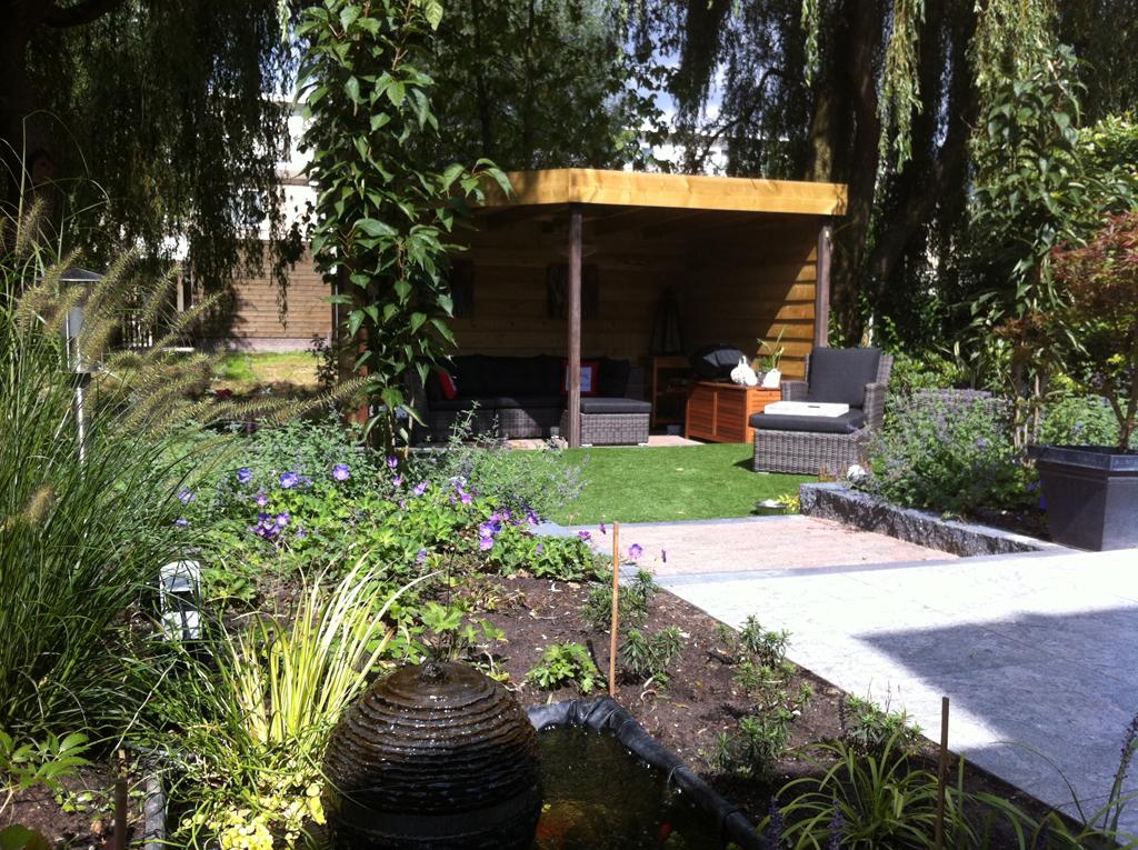 Veranda in Delft met overzicht tuin
